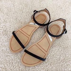 UO Matiko black minimalist sandals